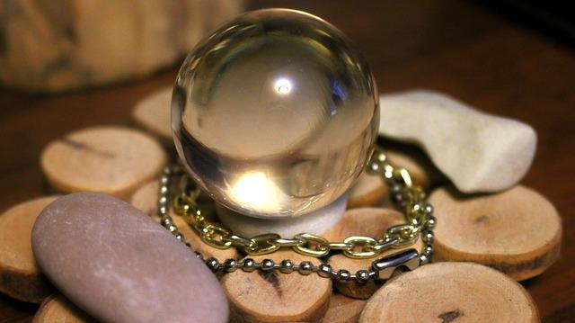 水晶占いと石