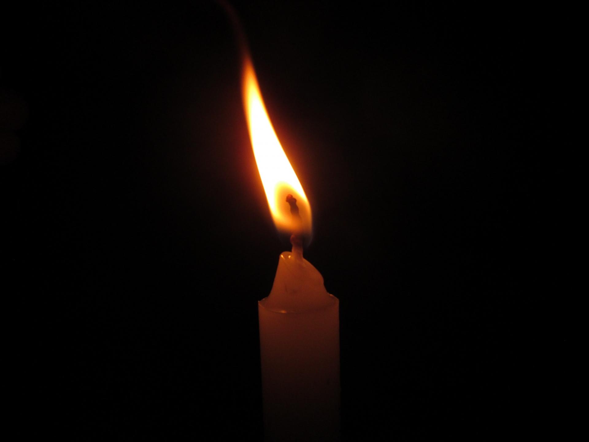 ろうそくの火の画像