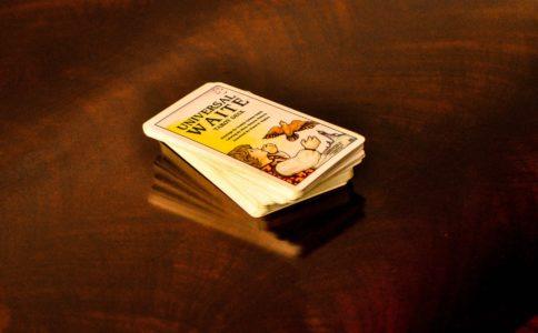 タロットカードのデッキ